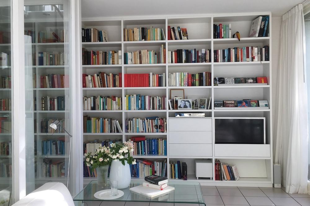 Bücherregal weiss 1